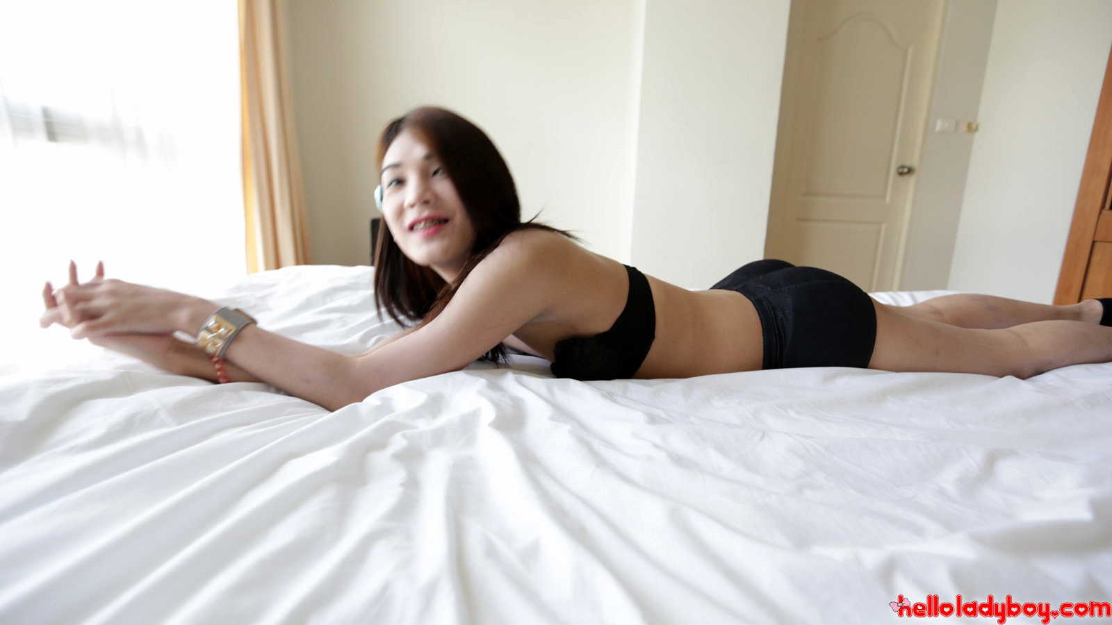 20 Year Old Asian Tranny Stripping For White Tourist