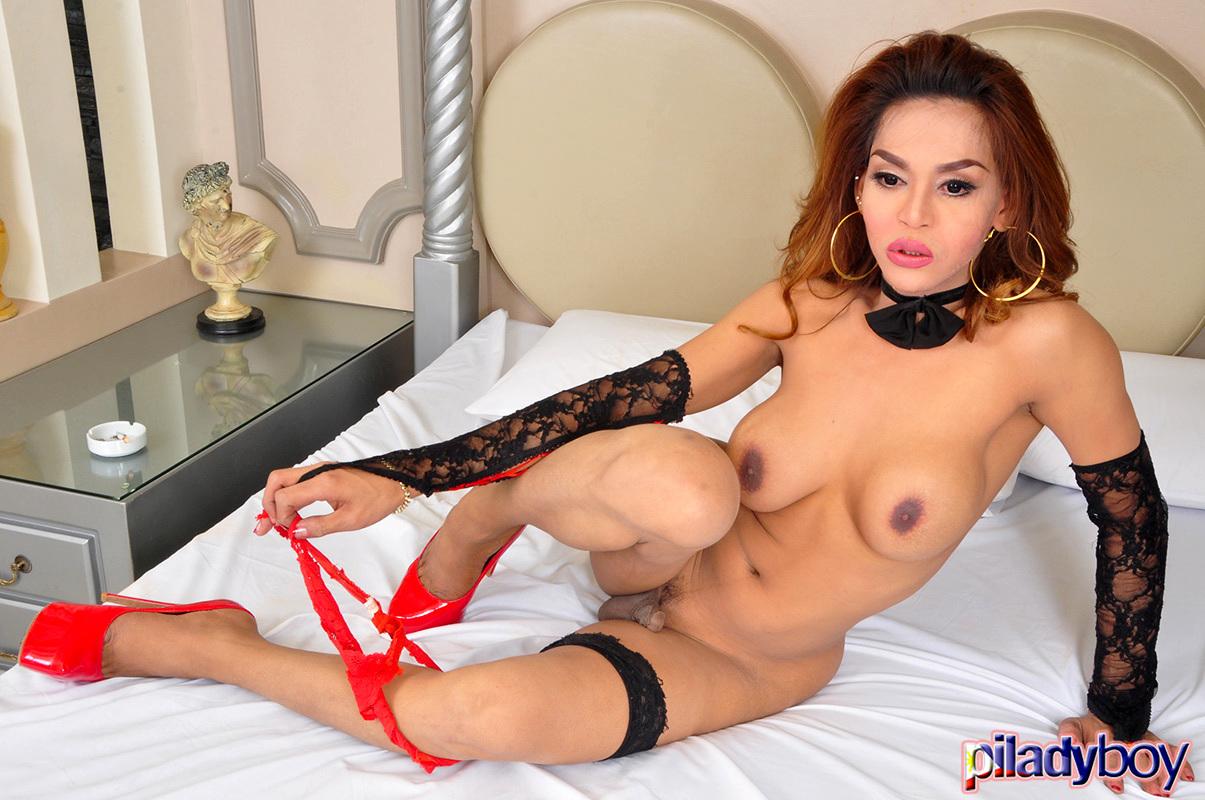 Amanda: Strip 'N Spunk 2