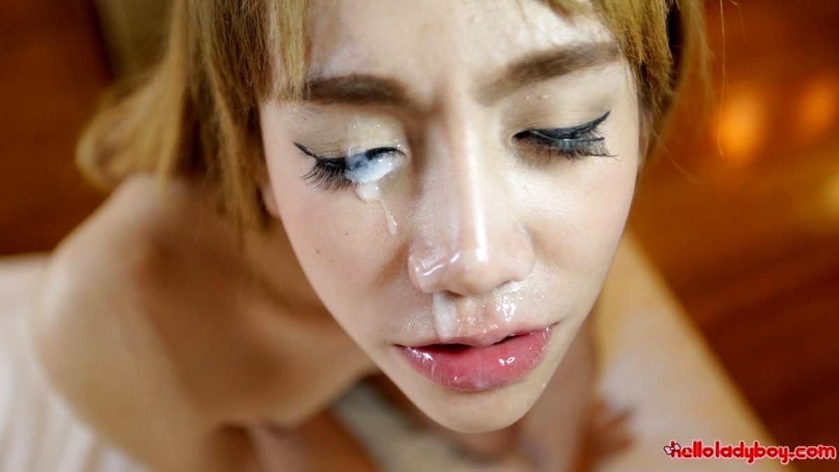 Bangkok T-Girl Gives Rough Deepthroat To White Tourist Tool