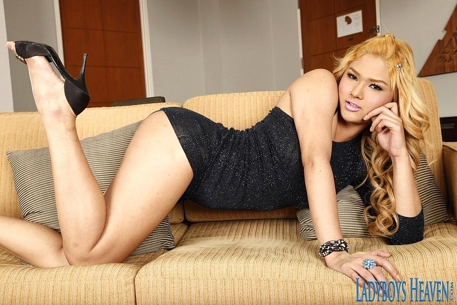 Blonde Busty Tgirl Arty