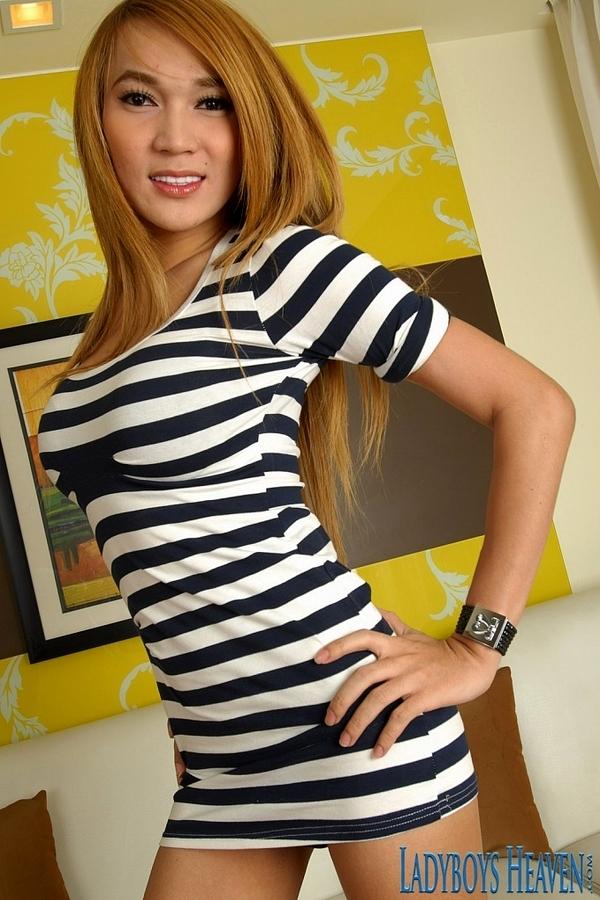 Blonde Tgirl Parkky Nude