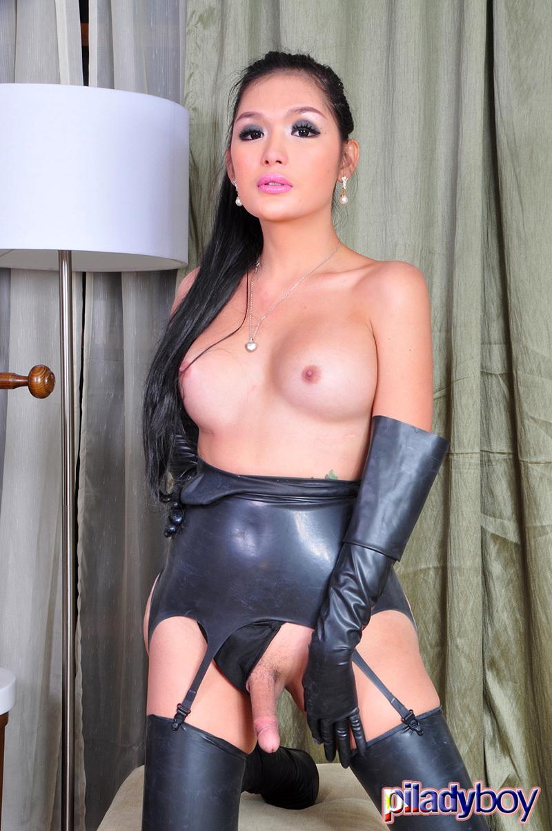 Erika Fox: Latex Ts