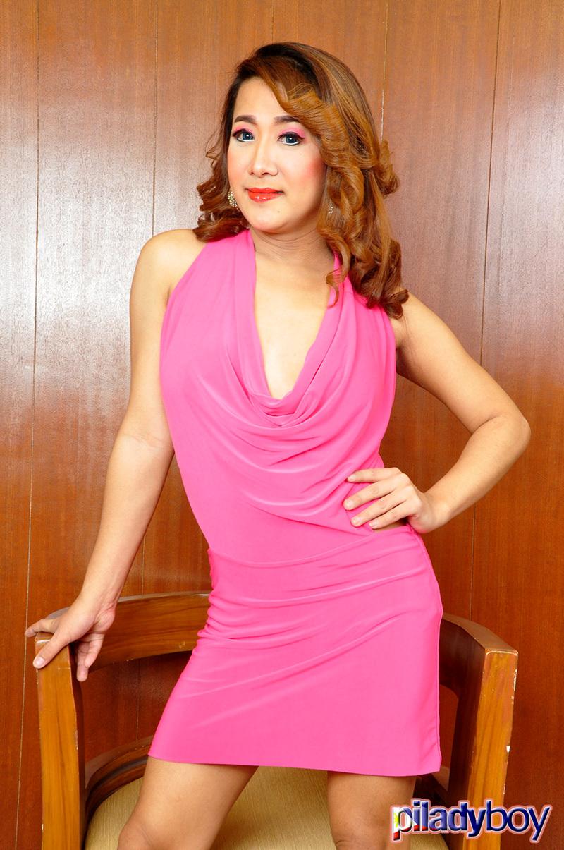 Leah Fresh: Pink Skirt