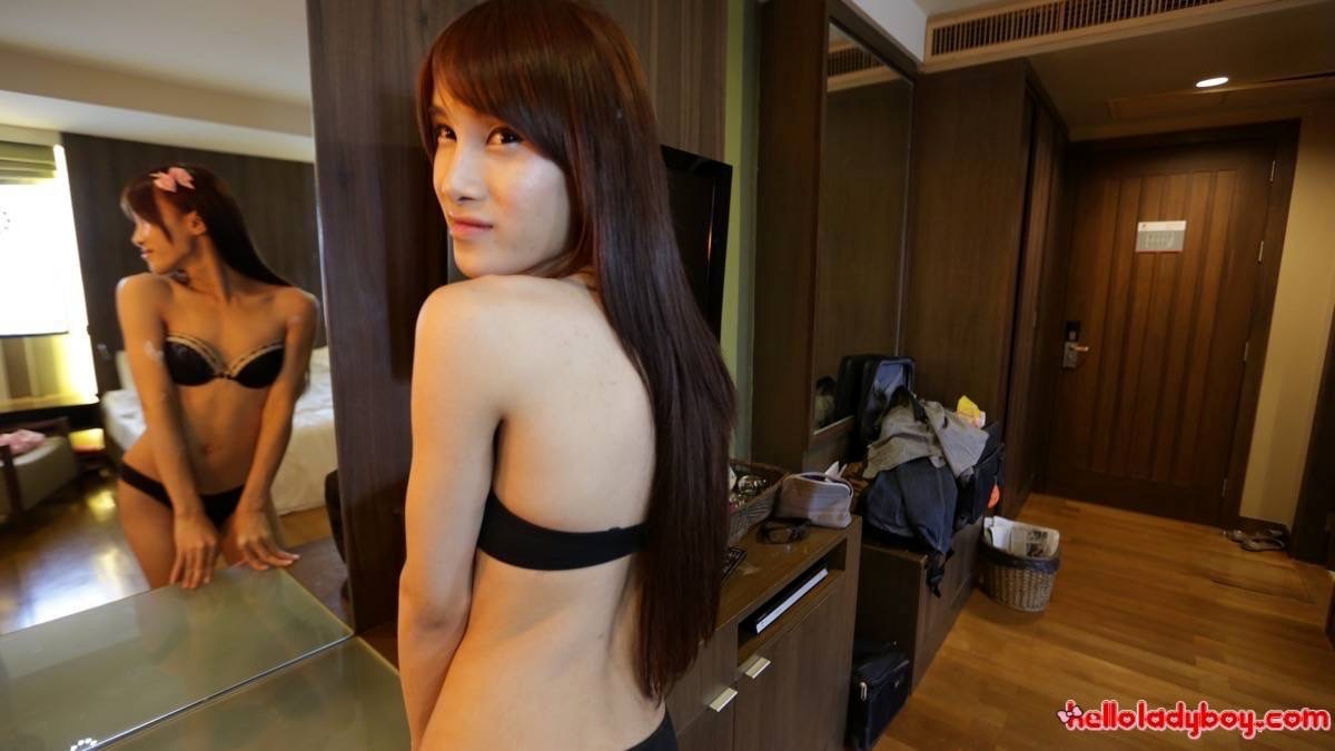 Little Asian Femboy With Huge Tool Enjoys Foreign Cock