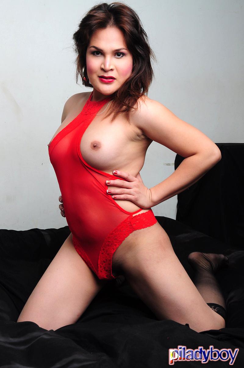 Pauline: Sextoy BJ
