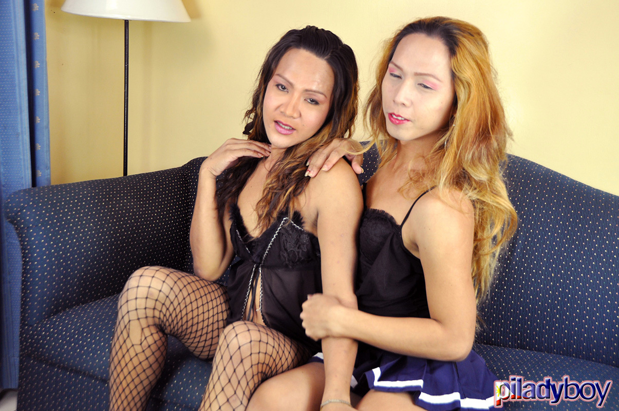 Rough Eating Cock And Nailing With Francine And Tonette!