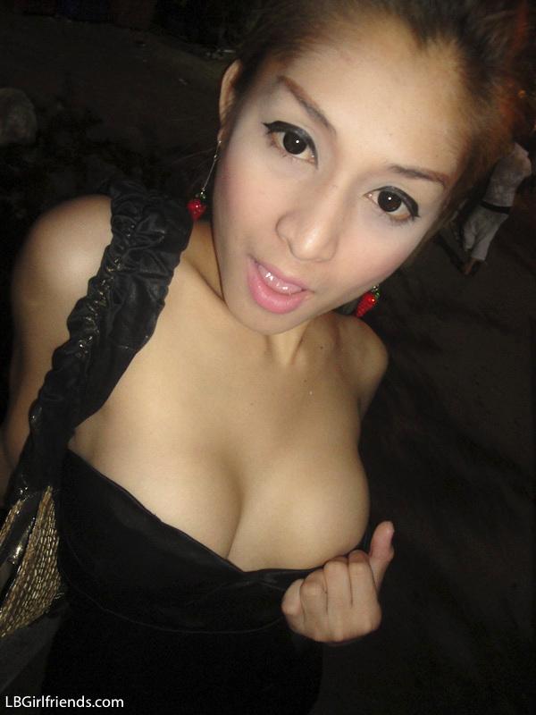 Tgirl Yoyo Flashing Titties And Dick On Walking Street