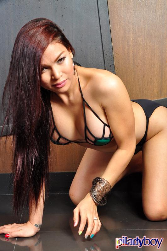 Vitress Tamayo: Green Swimsuit