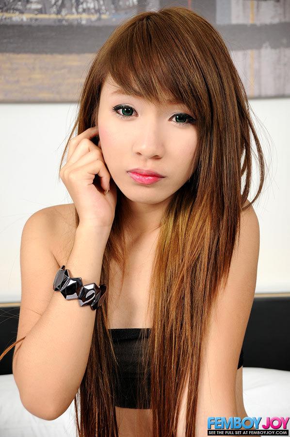 Wonderful 18 Year Old Ladyboy From Thailand